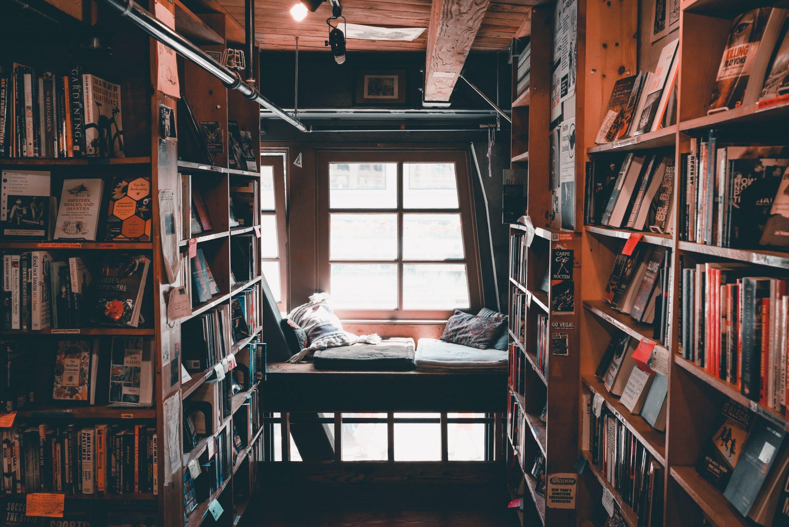 Kütüphaneleri Kişiselleştiriyoruz; Evde Kütüphane Dönemi